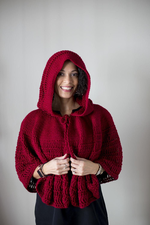 Katiusca-Guzman_CrochetedRedCape-9.jpg