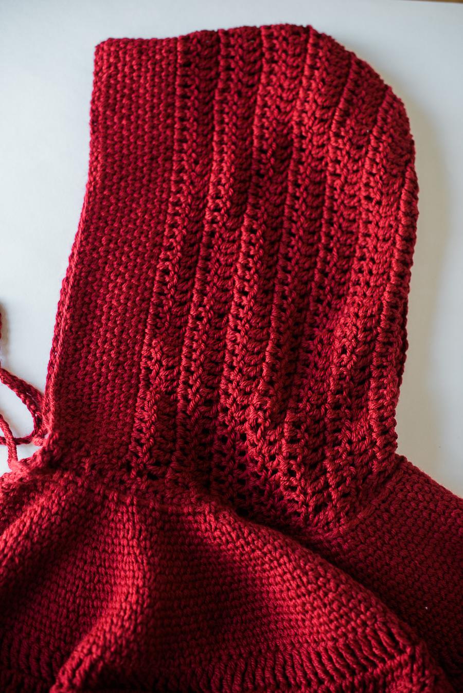 Katiusca-Guzman_CrochetedRedCape-3.jpg