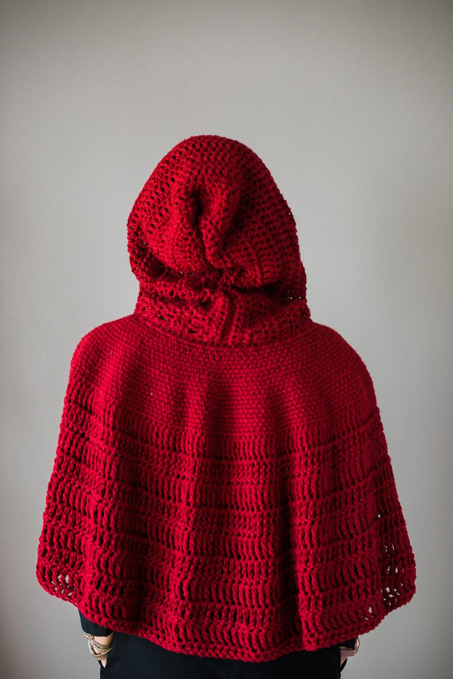 Katiusca-Guzman_CrochetedRedCape-1.jpg