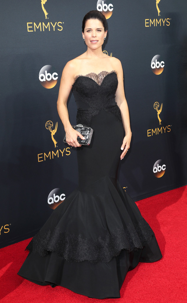 Neve Campbell Emmys