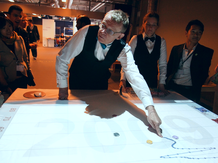 Hans Rosling as croupier for Gapminder Casino
