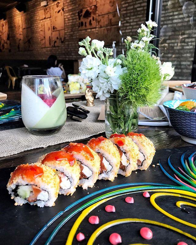 "Come get up close & personal with our new dish. ""The Good Life"" filled with Zuke sake, cream cheese, red shallot, cucumber, Cheez it Crumbs. Topped w/ sweet chili sauce & Cheez it crumbs. Photo credit 📸: @maidiarylife • • • #tastesbetterhere #eatingfortheinsta #eatfamous #sushigram #sushiart  #f52grams #igerschicago #foodiechats #nomchicago #theartofplating #foodstarz #chefstalk #fabfoodchicago #thekitchen #foodfeast #alwayshungrychi #topchicagorestaurants #thrillist #hertastylife #eattheworld #foodandwine"