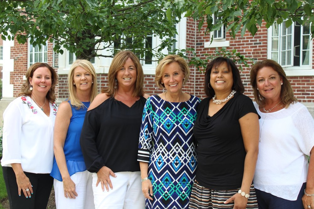 2018 Board members with Wendy Steele, founder of Impact 100.