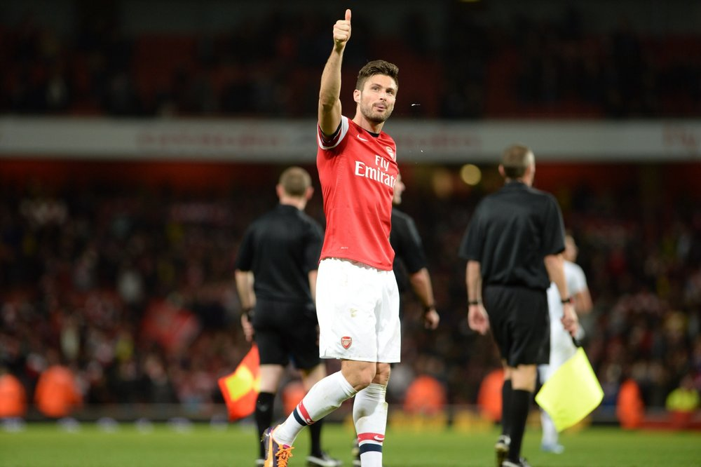 Olivier_Giroud_vs_Liverpool_-_2_November_2013.jpg