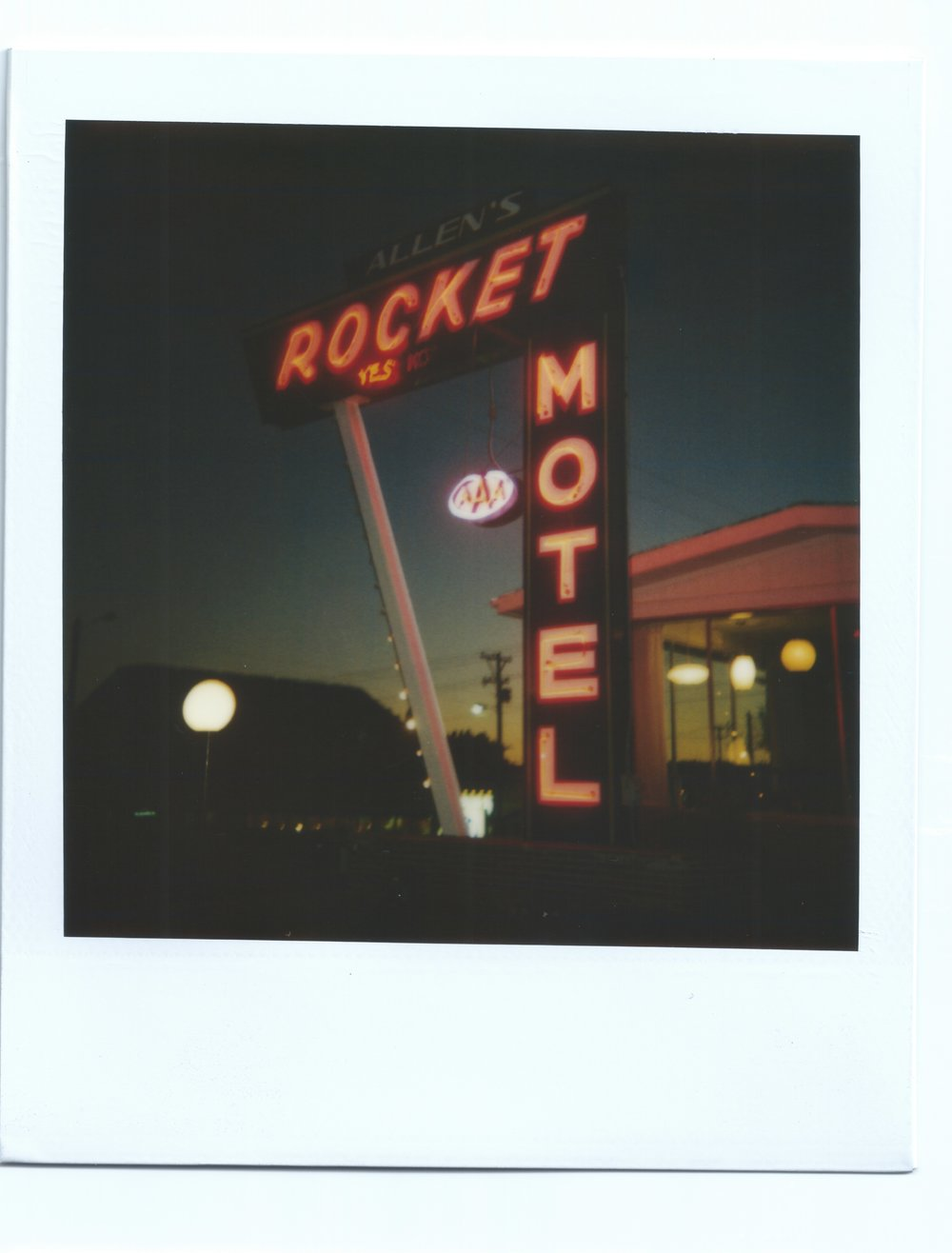 Sign_RocketMotel1_binder3.jpeg