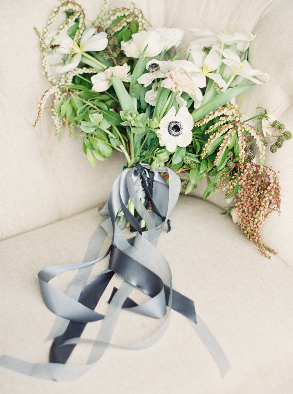 Photography: Simply Sarah Photography | Planning & Styling: Bash Bozeman | Calligraphy: Spurlé Gul Studio | Flowers: Labellum