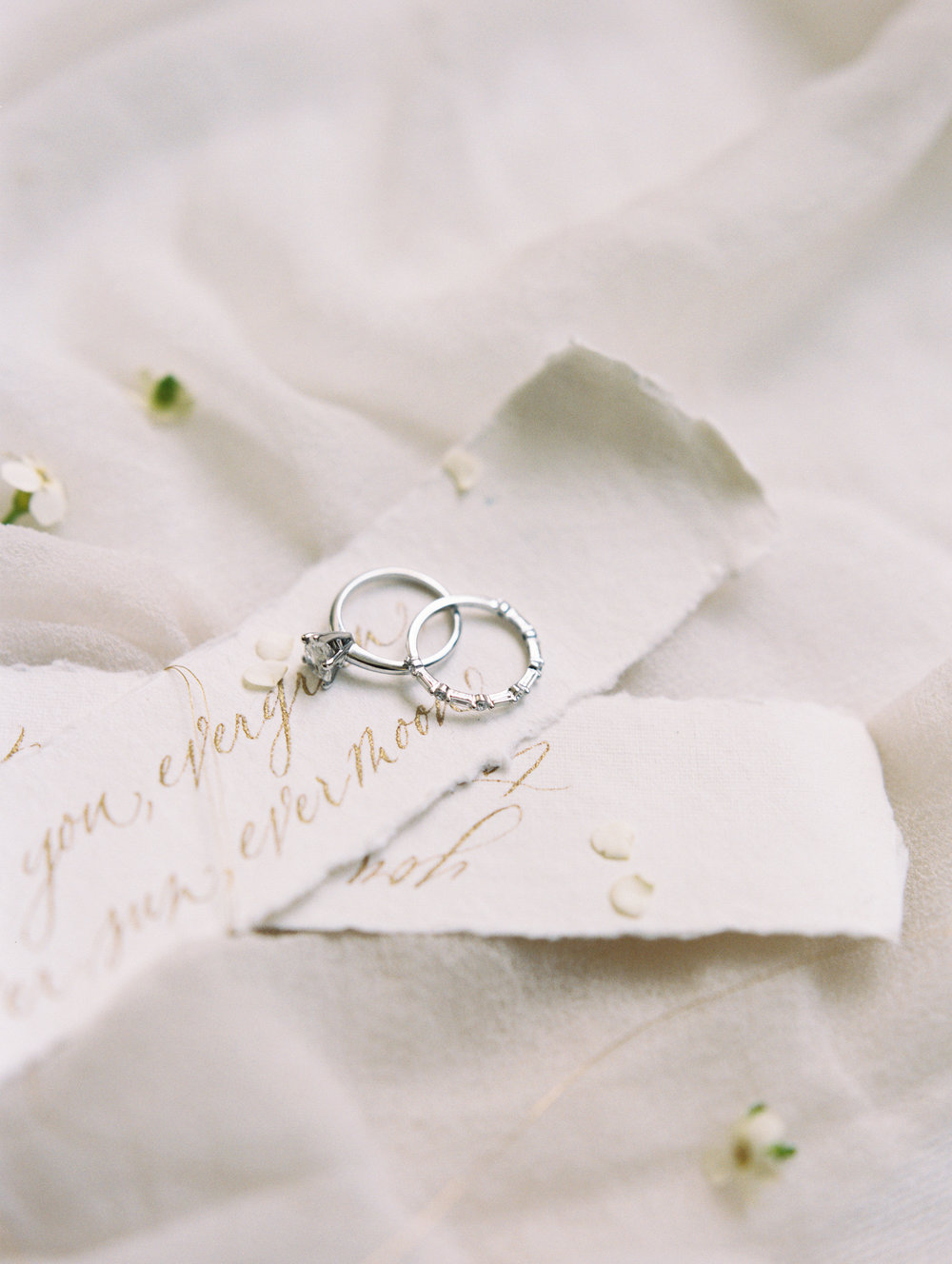 Photography: Lisa Ziesing with Abby Jiu Photography | Planning & Styling: Lauryn Prattes Styling and Events | Handmade Paper & Calligraphy: Spurlé Gul Studio