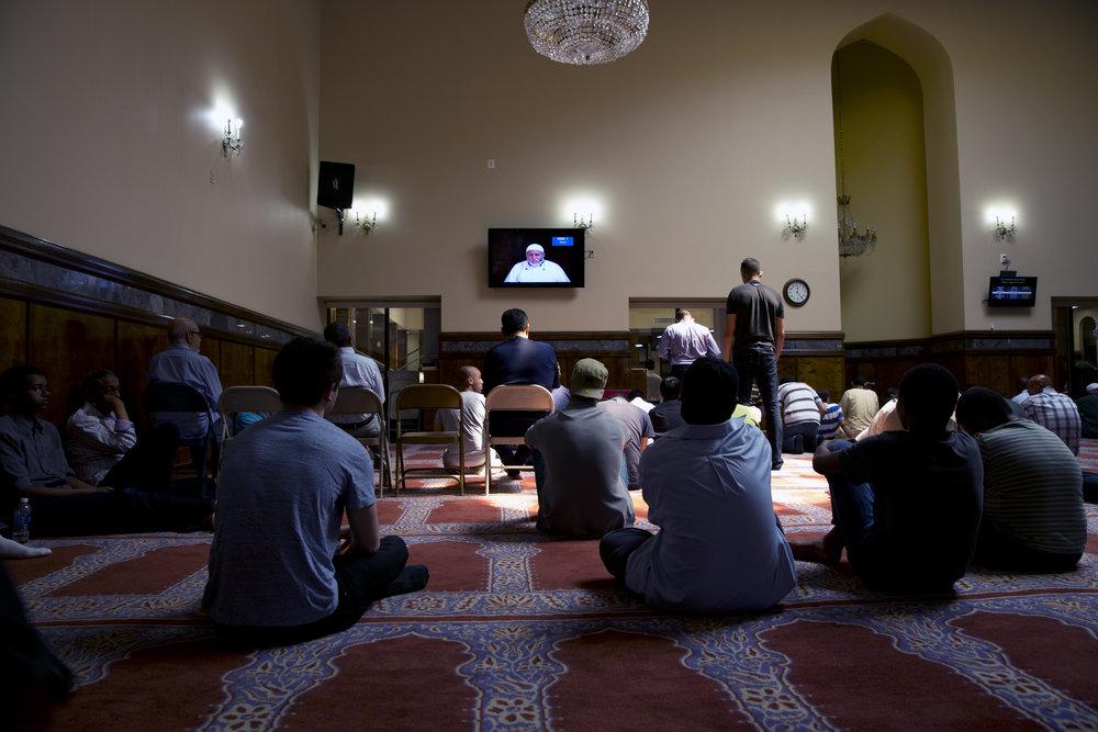 4_mosqueinside.jpg