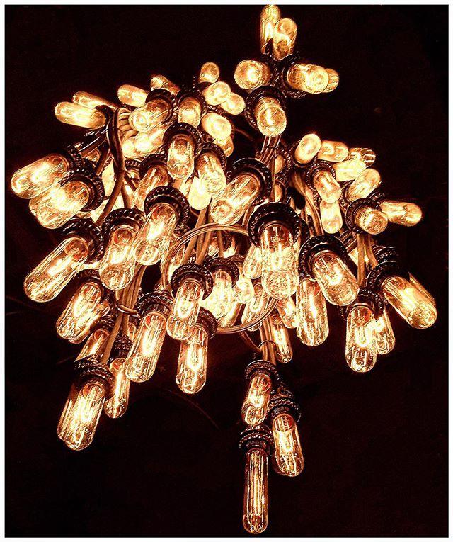 Edison Smorgasbord Seattle, Washington. #edison #vintagestyle #vintagelighting #edisonbulbs #bulbs #lightbulbs #edisonlighting #lighting #seattle #vonsgustobistro @vons1000spirits #tungsten #warmlight