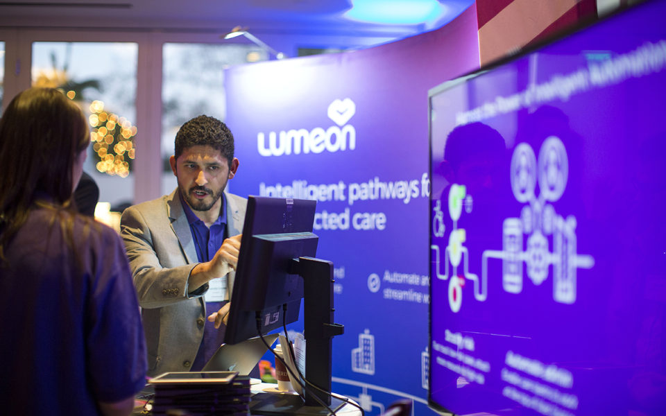 Lumeon-at-Cedars-Sinai-Accelerator-Powered-by-Techstars-Demo-Day-960x600.jpg