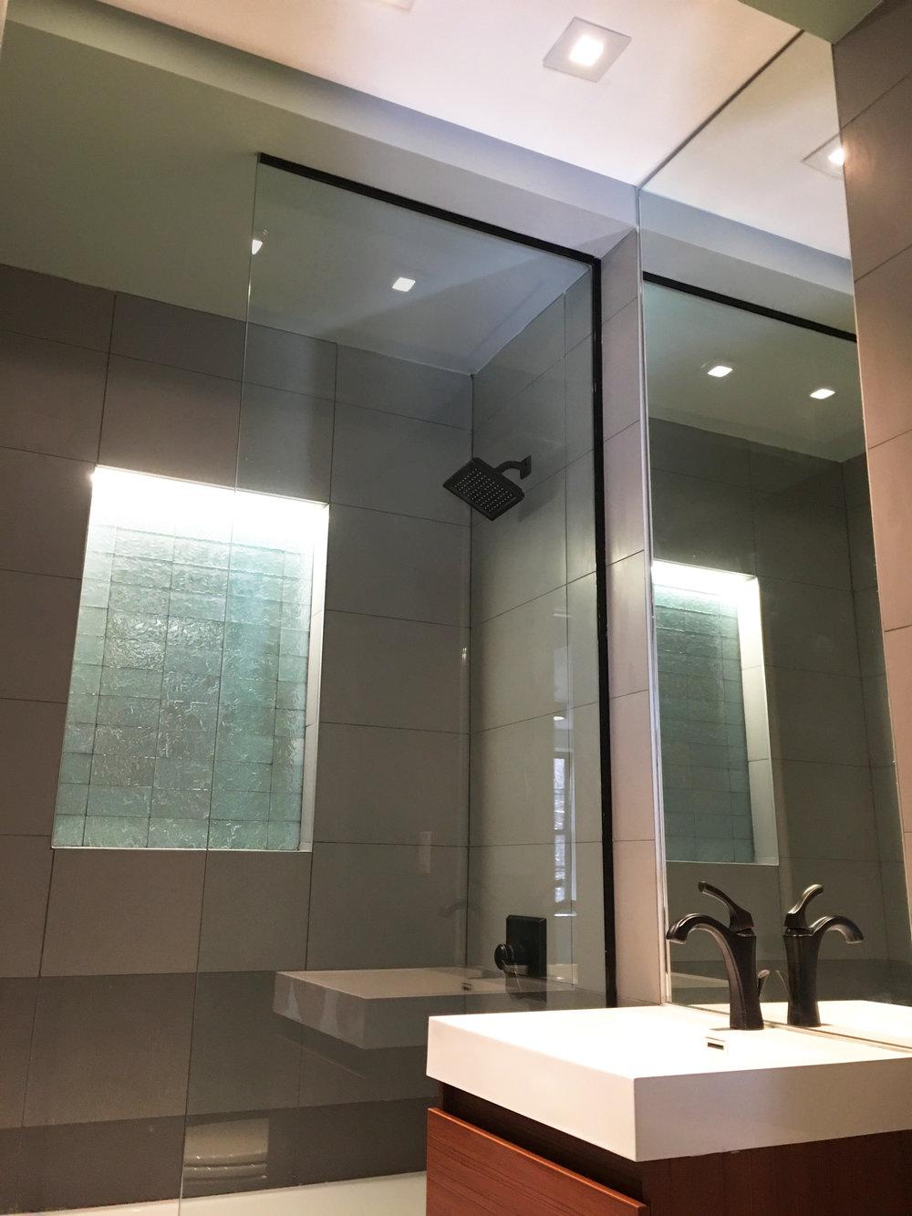 07-860 Macon Street Bathroom 1.jpg