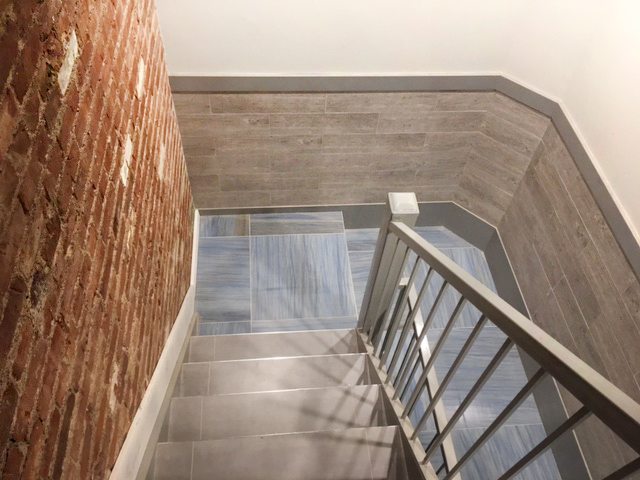 07_East_9th_Street_624_Stairs_Final_Photo_3_10.3.1017.jpg