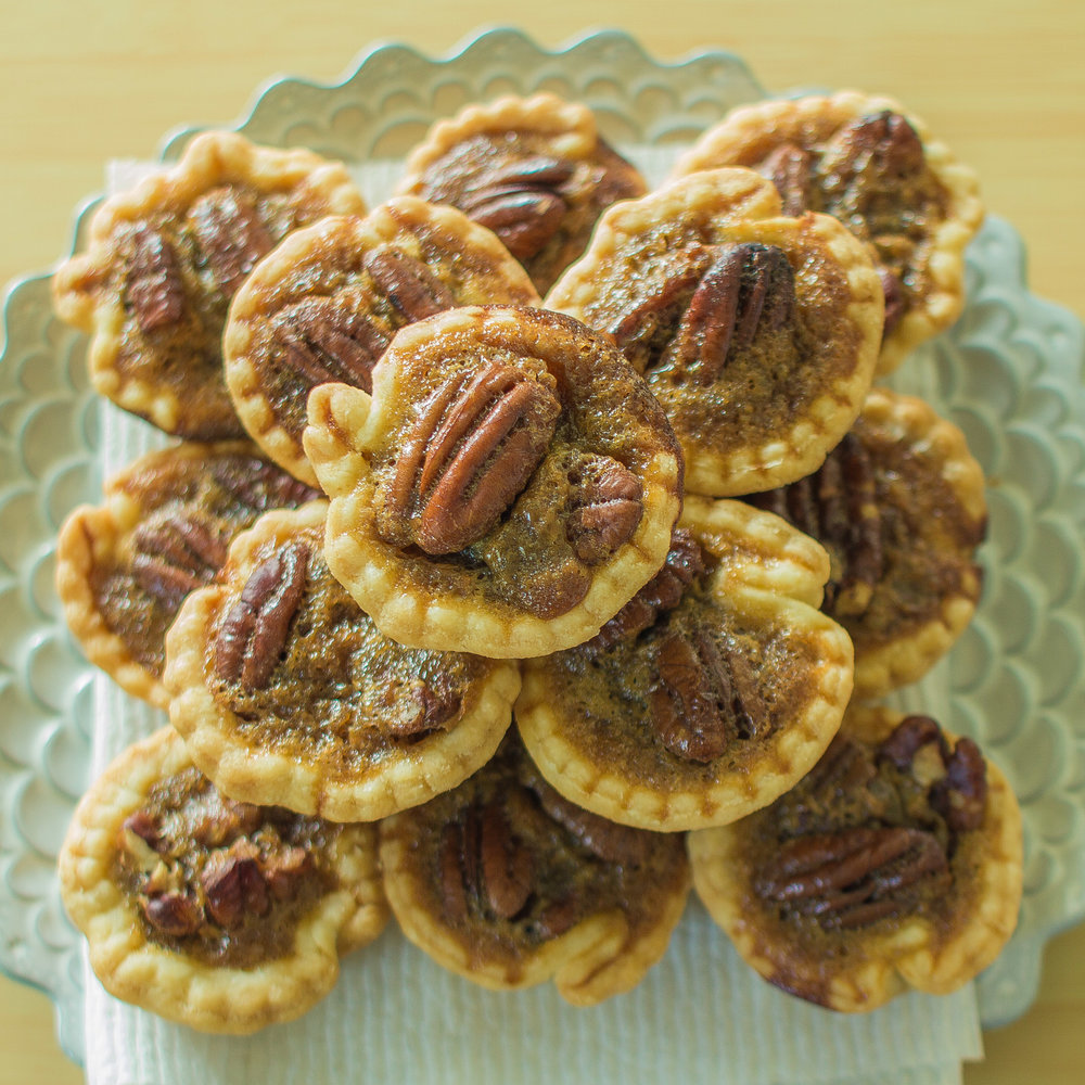 Tiny pecan pies silently cooking forumfinder Choice Image