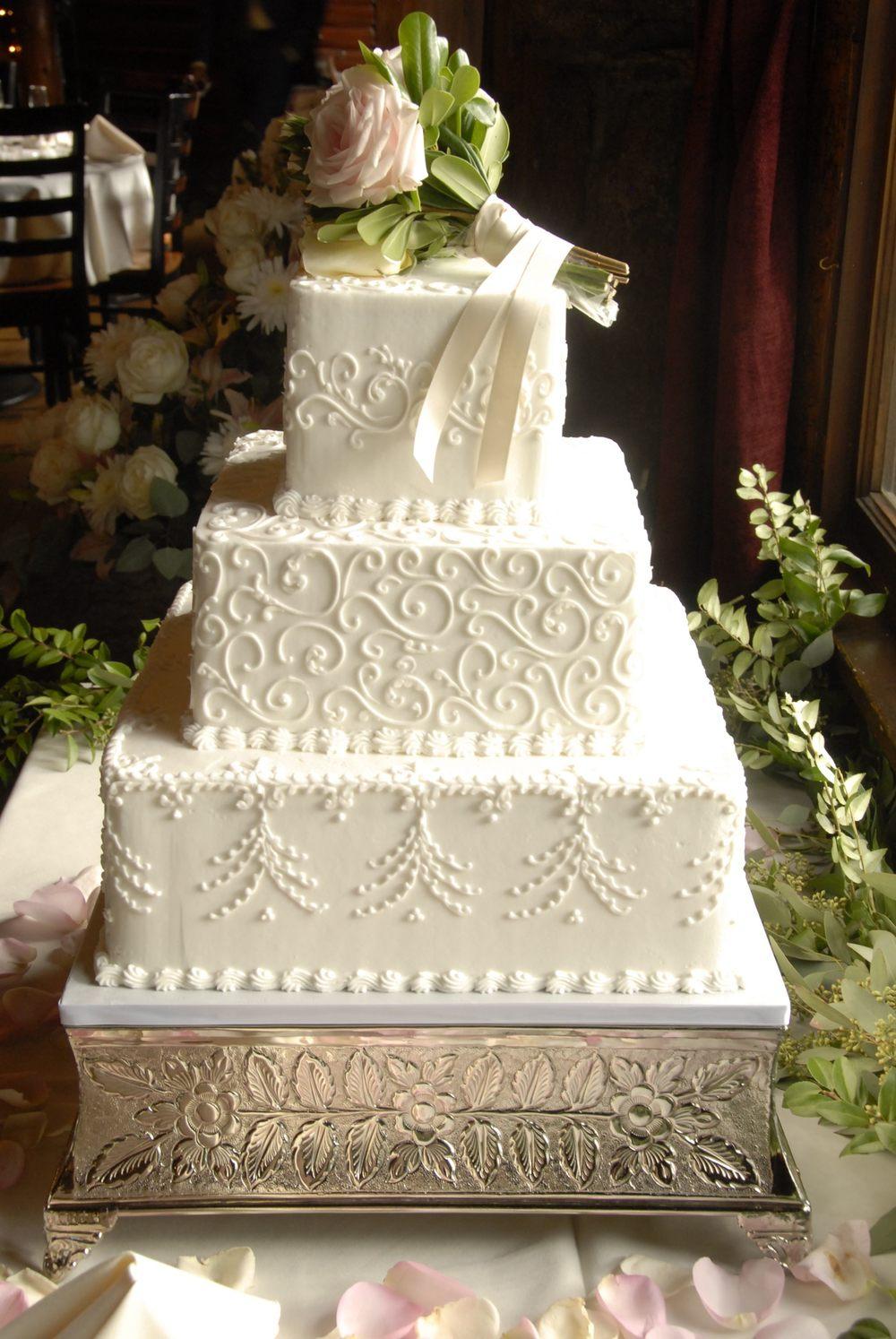 WEdding cake (1).jpg