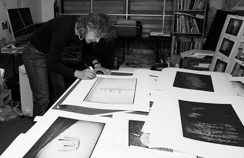 Jackie Ranken signing prints