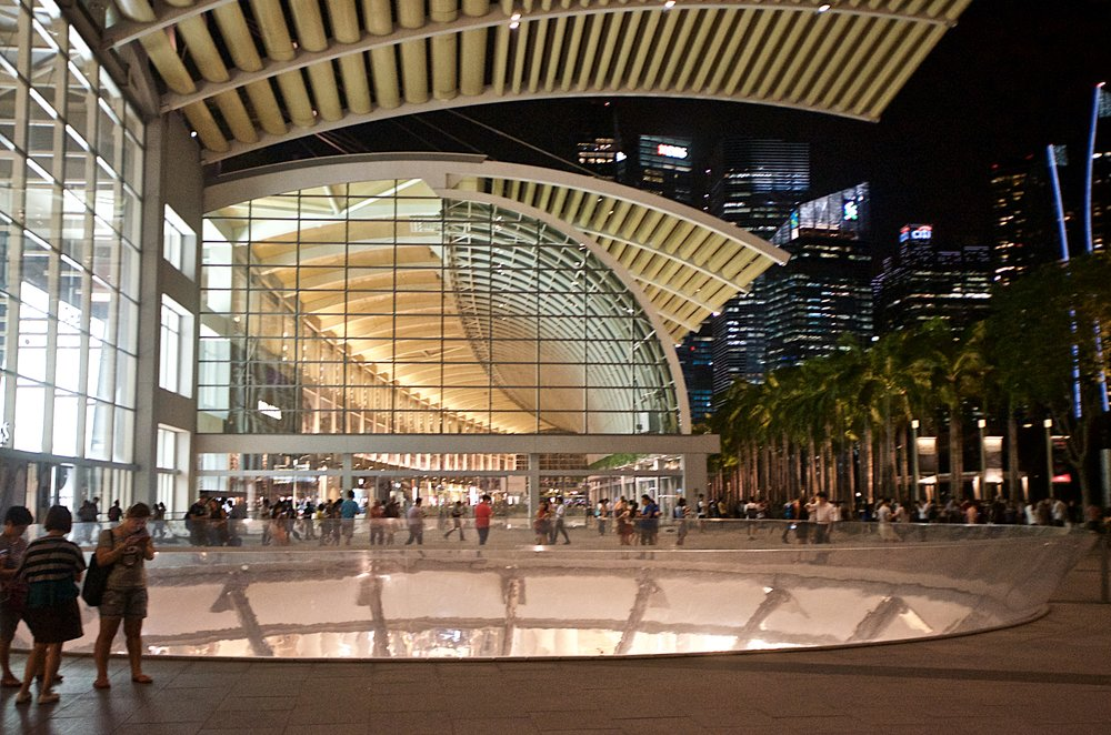 shopping-at-the-marina-bay-sands_29901626711_o.jpg