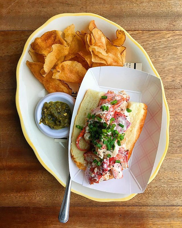 lobster roll, potato chips, chili sauce . . . #dinner #smallplates #horsdoeuvres #asheville #avleats #lobster #lobsteroll #favorite #riverartsdistrict #lefooding #eats #eat #eater #eatstagram #food #foodporn #foodphotography #brioche