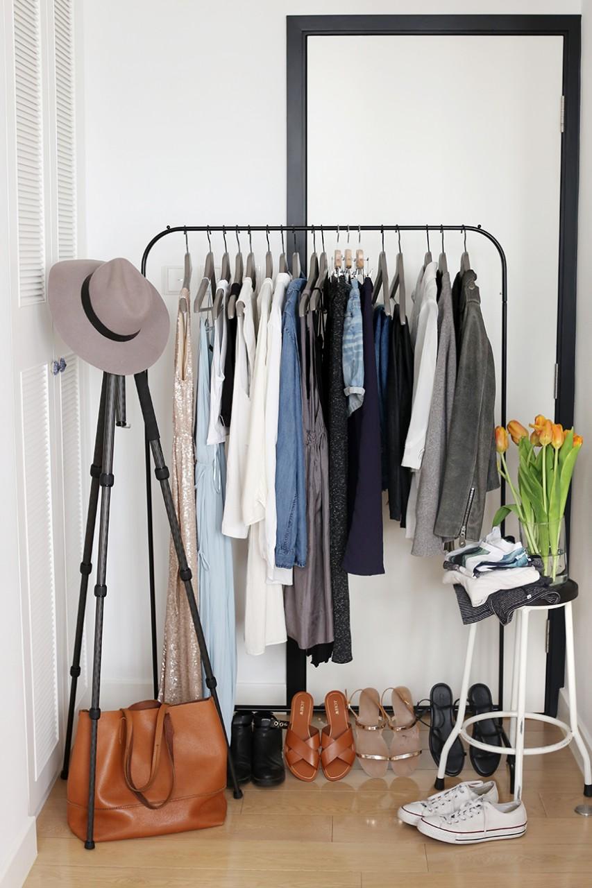 Capsule-wardrobe-display.jpg