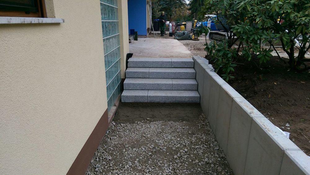 Die Treppenstufen sind fertig!