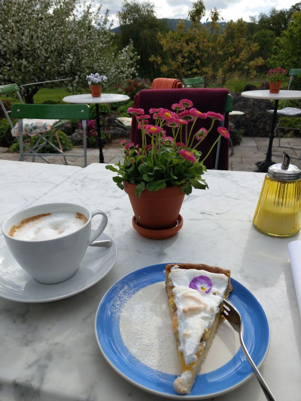Das Cafe von Staudengärtnerei Augustin in Effeltrich!