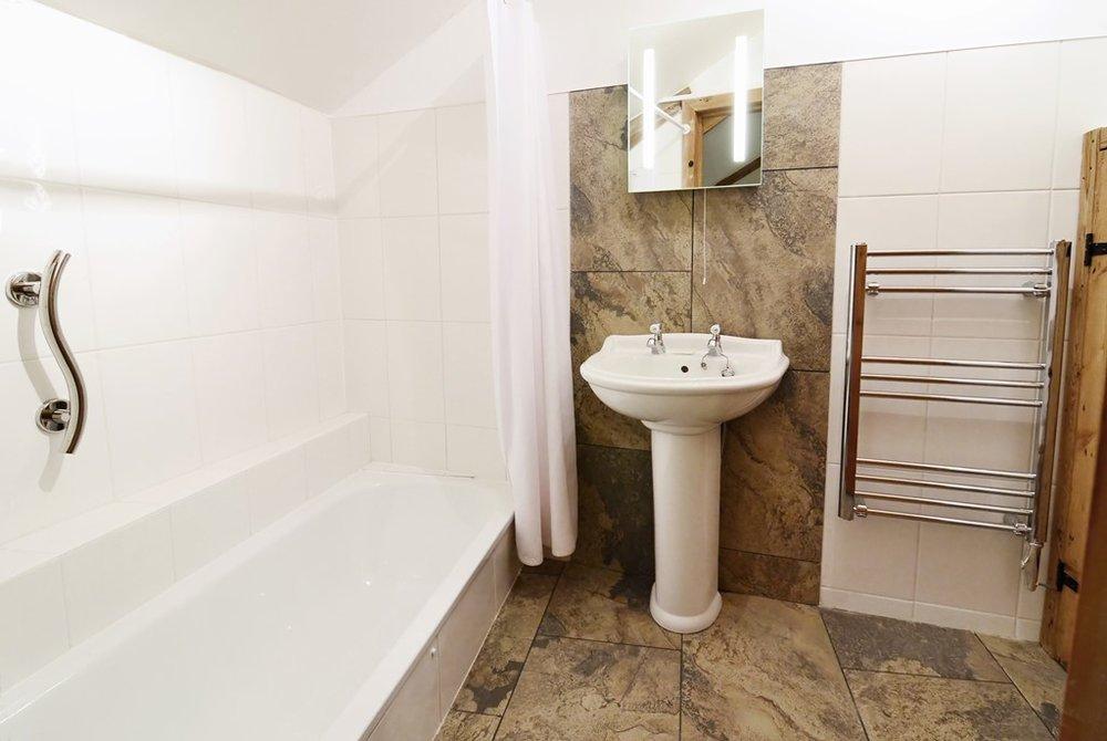 Clematis bathroom_NR.jpg