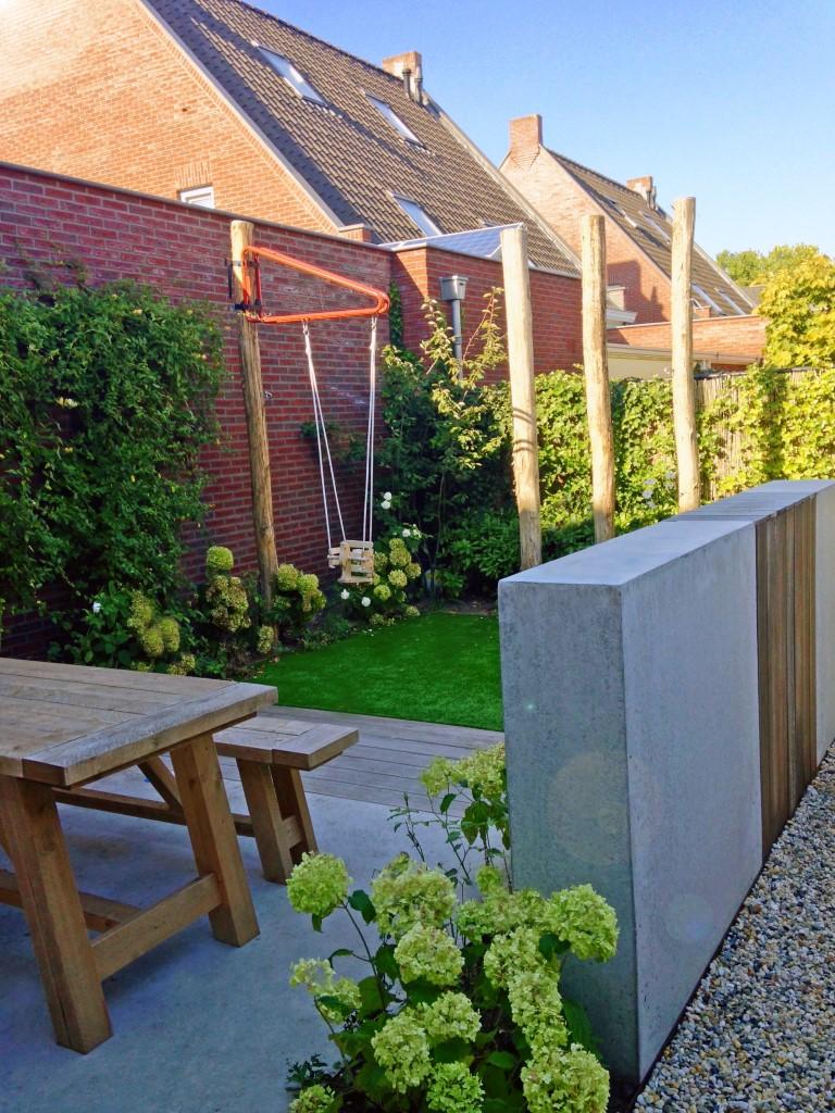 Siebers-Tuinprojecten-leeftuin-betonwand-gevlinderd-beton-terras.jpg