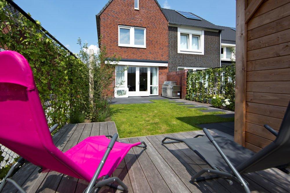 Siebers-Tuinprojecten-stoer-vlonder-kleine-achtertuin.jpg