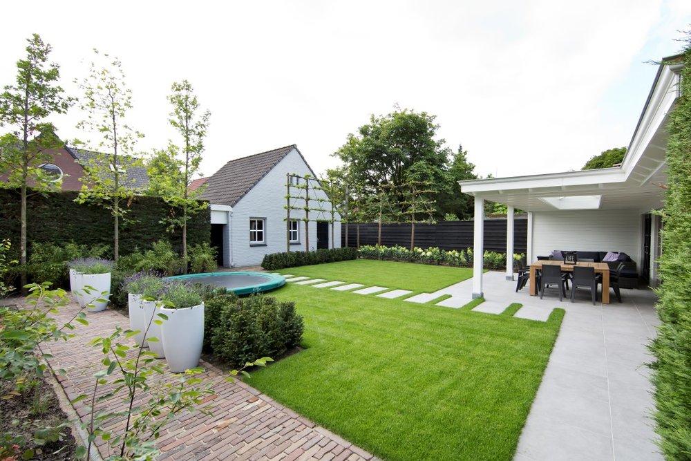 Siebers-tuinprojecten-gebakken-klinkers-natuursteen-terras.jpg