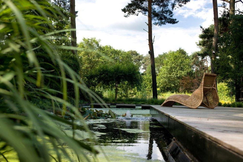 Siebers-Tuinprojecten-Tuin-Hovenier-Vlonder-tuin-bomen-vijver-vlonder-bloemenweide.jpg