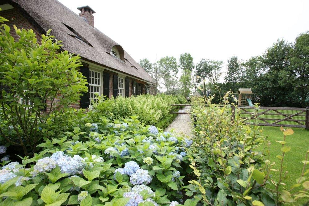 siebers-tuinprojecten-landelijke-beplanting.JPG