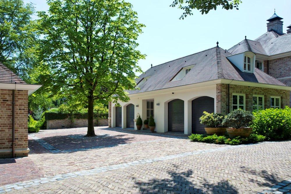 siebers-tuinprojecten-parktuin-garage.jpg
