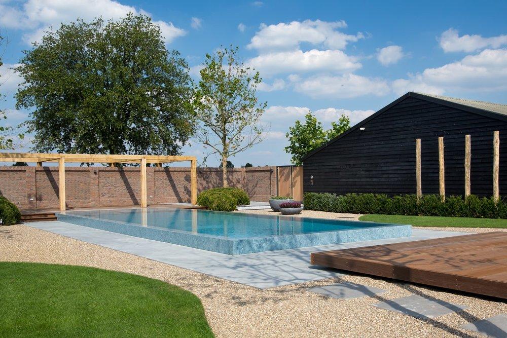 siebers-tuinprojecten-vlonder-zwembad.jpg