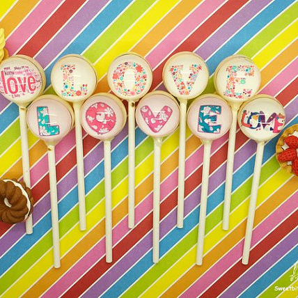 custom lollipops (1).jpg