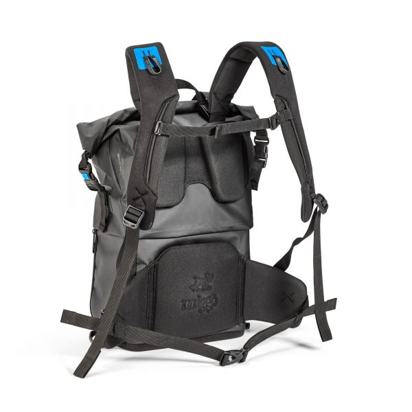Aqua_Stormproof_Backpack_4.jpg