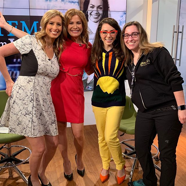 Good morning sunshine! ☀️ Chatting coding, STEM and a little @rittigers 🤓this morning on @amhqontwc @weatherchannel 🌩👩🏻‍💻 . . . #onair #techexpert #weatherchannel #geekandglam #stemtech #girlswhocode #techgirl #techgirls #techie #codinglife #codinggirl #codinggirls #stemgirls #stemeducation #stemkids #amhq #rittigers