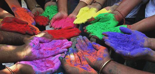 Holi  est le nom d'une fête des couleurs en Inde.