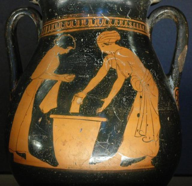 Women washing clothes. Side A from an Attic red-figure pelike by the Pan Painter, ca. 470 BC–460 BC.