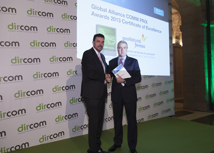 Jordi Garcia Tabernero, Managing Director Communications of Gas Natural Fenosa, received the Global Alliance COMM PRIX Award 2013 for the best academic case study at Dircom's Christmas Dinner in Madrid.   The Award was presented by José Manuel Velasco, GA Board Member.