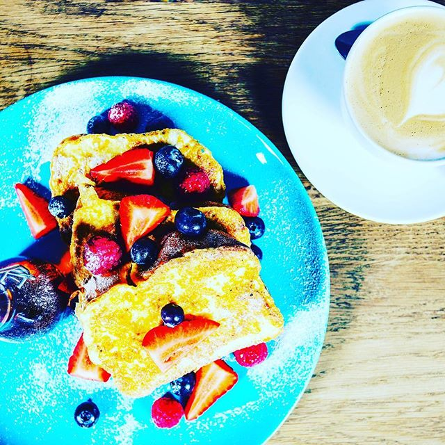 Happy Friday everyone . Open from 10am serving brunch all day. #brunch #breakfast #waffle #leeds #yorkshire #yorkshirefood