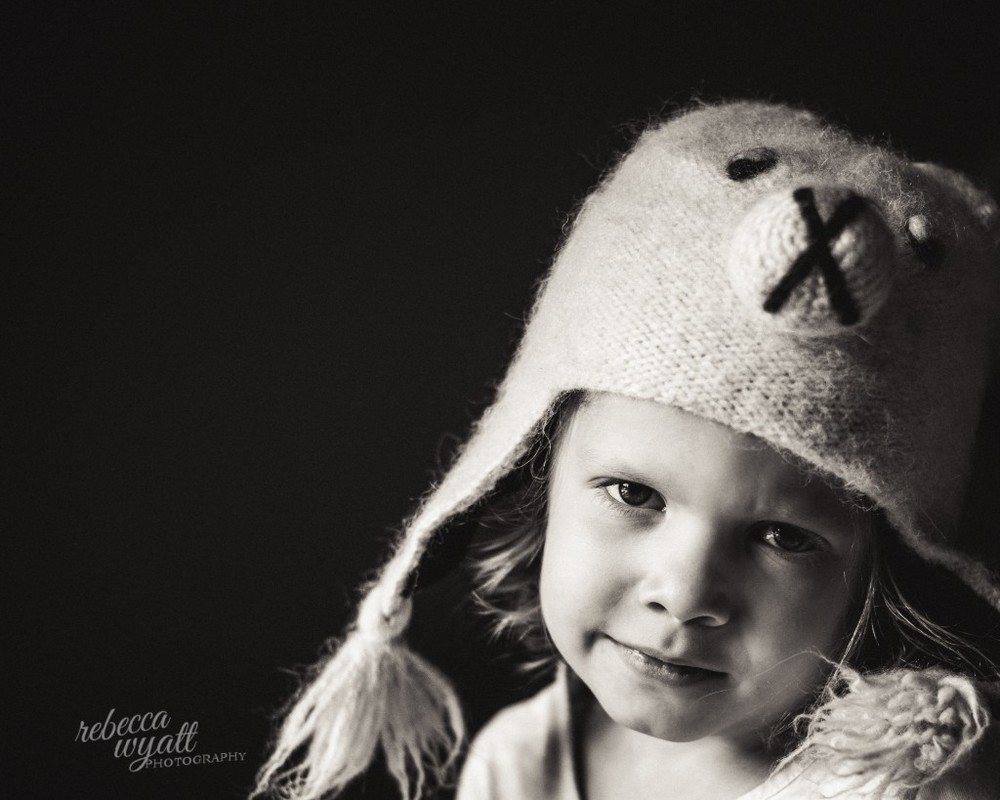 Portrait of child in hat