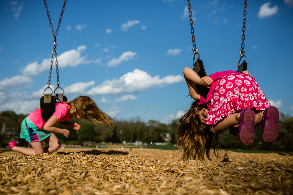 rebecca_wyatt_girls_on_swings-4.jpg
