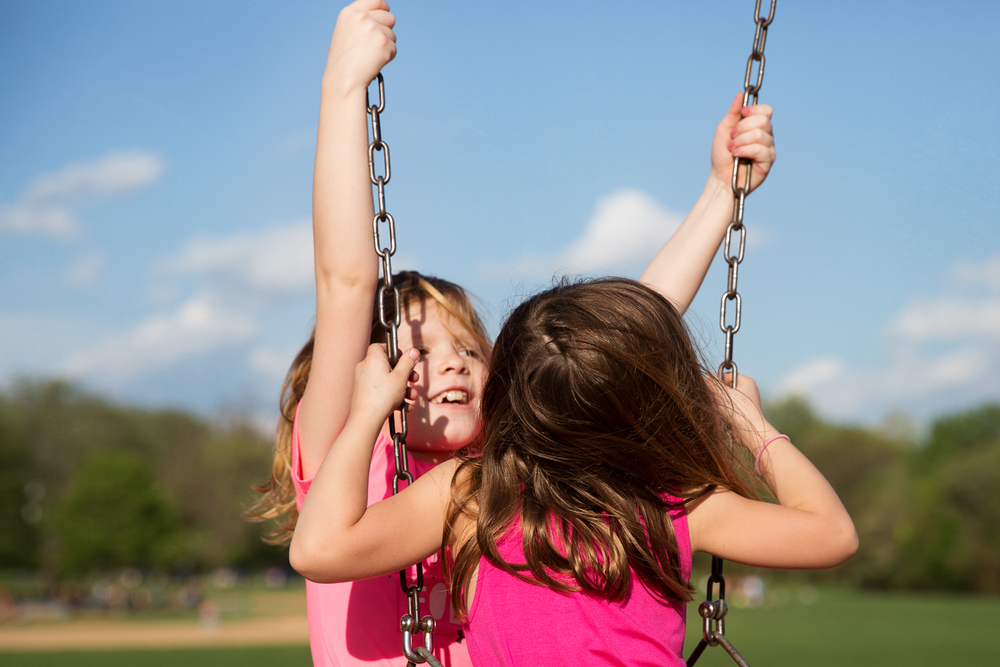 rebecca_wyatt_girls_on_swings-6.jpg