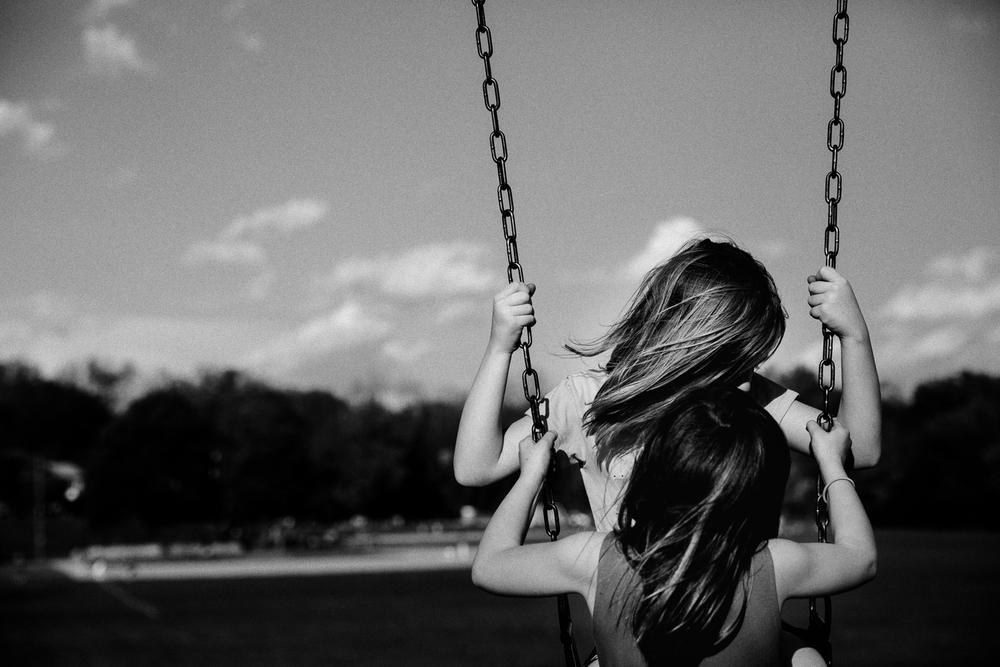 rebecca_wyatt_girls_on_swings-7.jpg