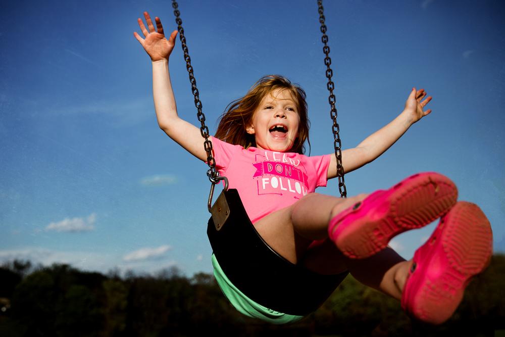 rebecca_wyatt_girls_on_swings-9.jpg