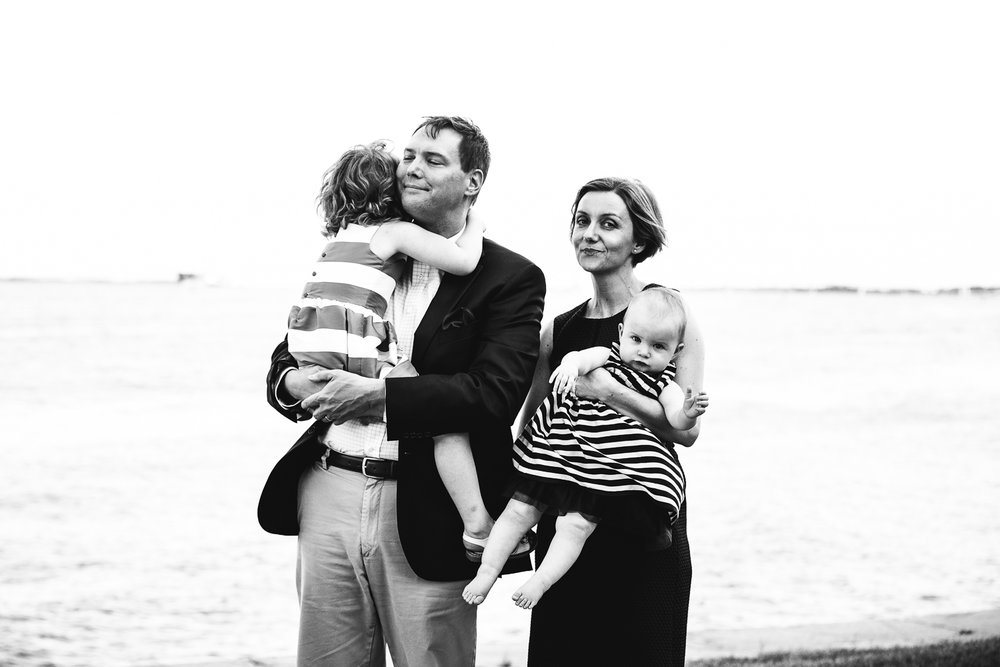 Copy of http://www.rebeccawyattphotography.com/blog//saying-goodbye-to-baltimore-family-of-four-photography-session