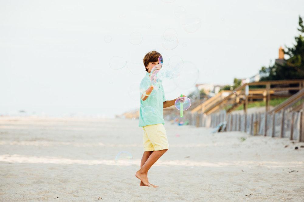 family_of_five_beach_blog_fields (6 of 38).jpg