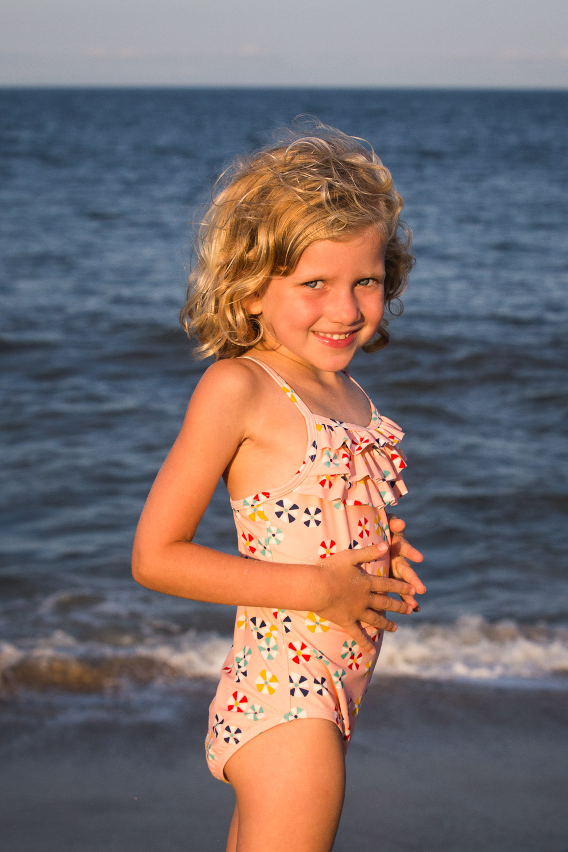 family_of_five_beach_blog_fields (11 of 38).jpg