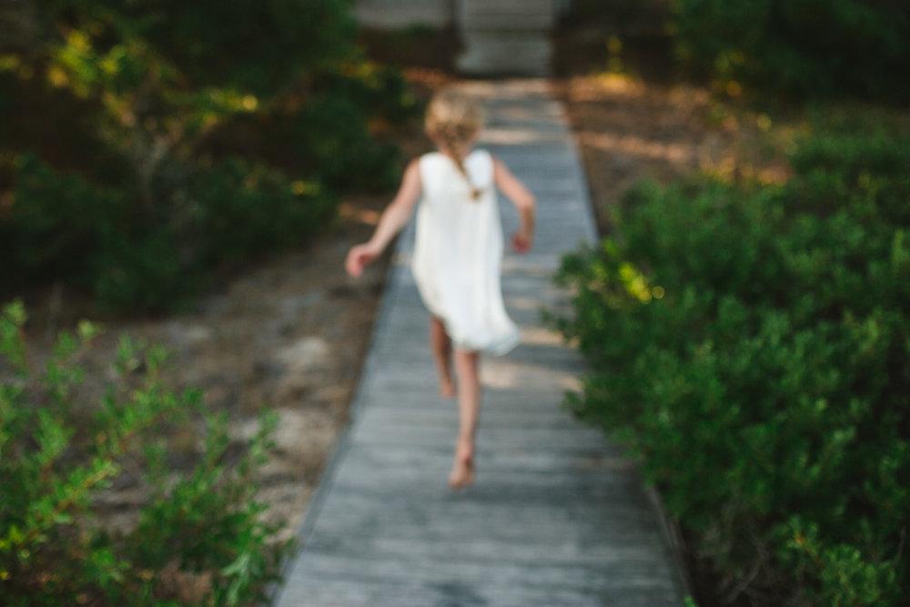 family_of_five_beach_blog_fields (21 of 38).jpg