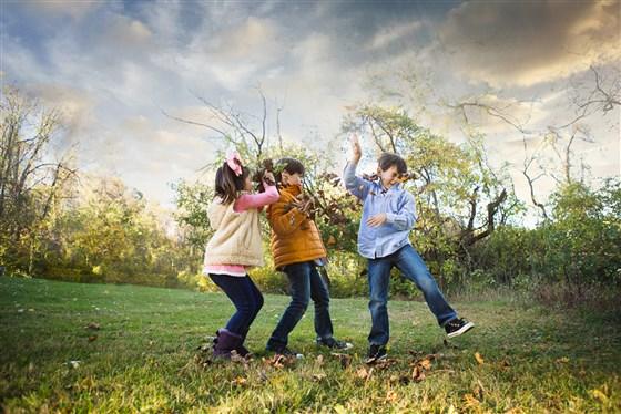 10 tips to shoot great family photos using autumn's backdrop | Today.com