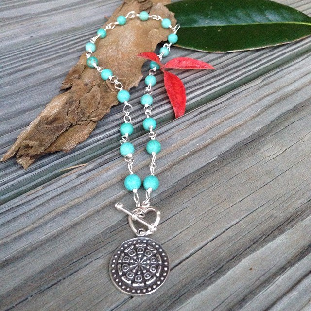 Hand Linked Aqua short necklace.jpg